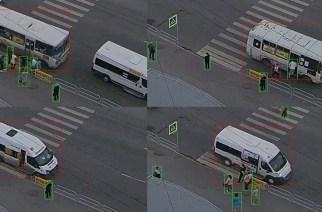 Примеры слайдов, сделанных программой Александра Хлопова с помощью потокового видео с камер «Интерсвязи»: нарушения происходят ежеминутно — в данном случае, это остановка на пешеходном переходе