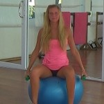Fitnes-dlja-beremennyh-kompleks-uprazhnenija-na-fitbole-Фитнес-для-беременных-комплекс-упражнения-на-фитболе