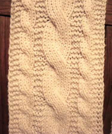 knit reversible cable scarf