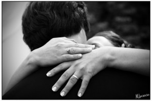 Couples-hugging-love