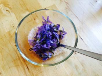 Květy v cukru
