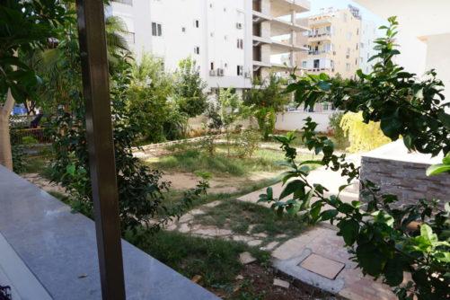 staro i neodržavano dvorište