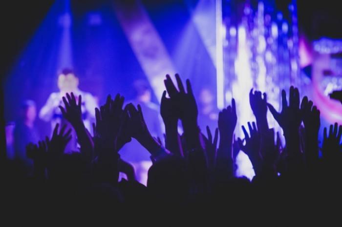 nonton-konser-musik