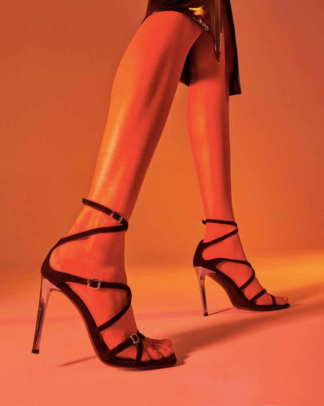 sepatu-high-heels-Giuseppe-Zanotti