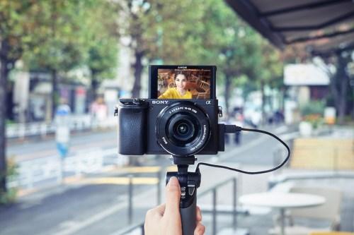 Travel vlogger 1