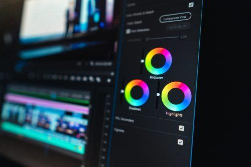 perbedaan online dan offline editing