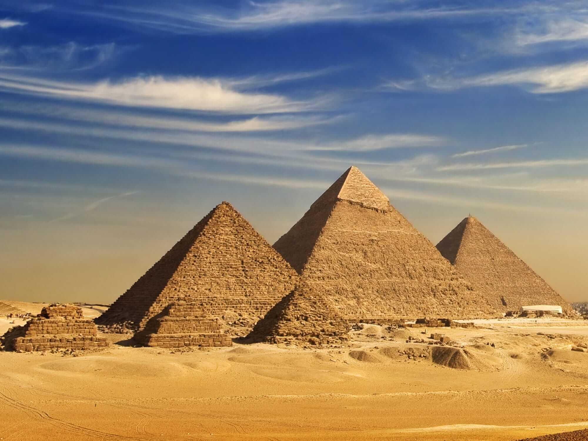 keajaiban-dunia-piramida-giza