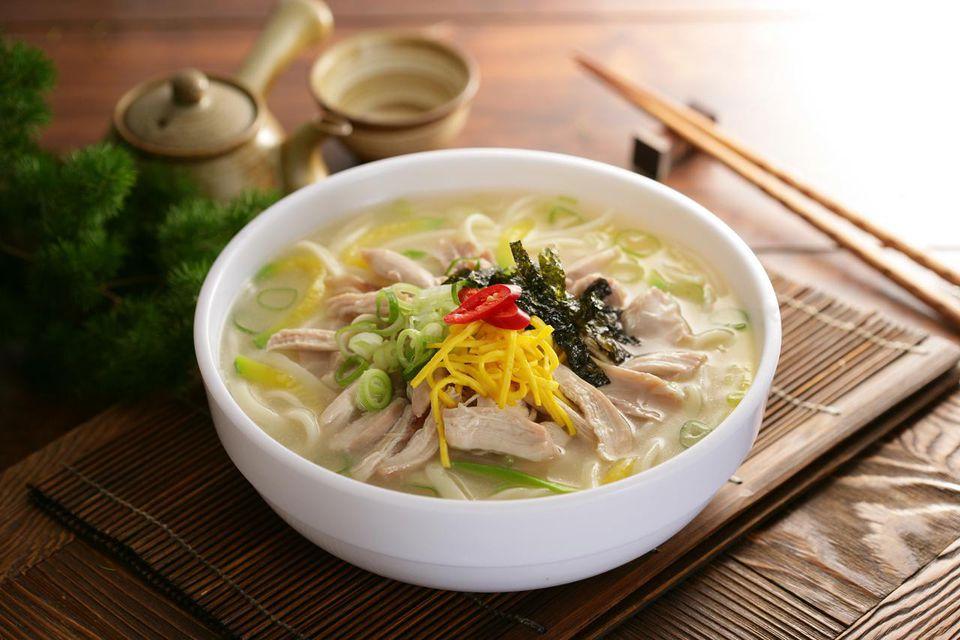 Gak Cuma Kimchi, 5 Makanan Korea Ini Juga Wajib Kamu Santap