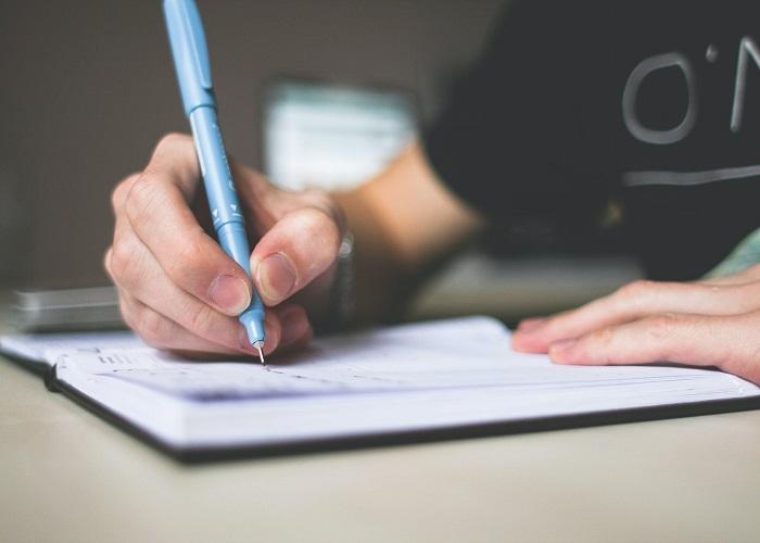 Menulis setiap hari sebagai cara menjadi penulis
