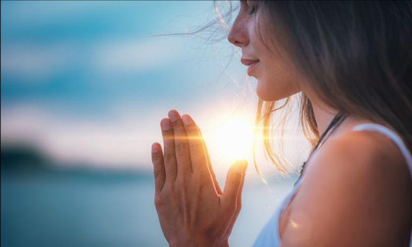 gerakan yoga mengurangi stres