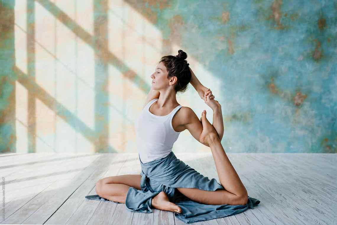 olahraga-musim-hujan-yoga-pilates
