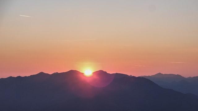 sunrise-di-gunung