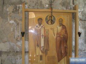 Nördlicher Seitenarm der Titus-Kirche mit Altar.