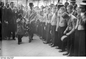 Jackie Coogan greeted by the staff of the Adlon Hotel on Pariser Platz in Berlin. (photo by Georg Pahl via Bundesarchiv 102-00754)