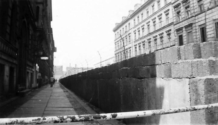 Berlin_Sebastianstraße_Berliner_Mauer_009571 willy pragher 1961 baden würt LArch
