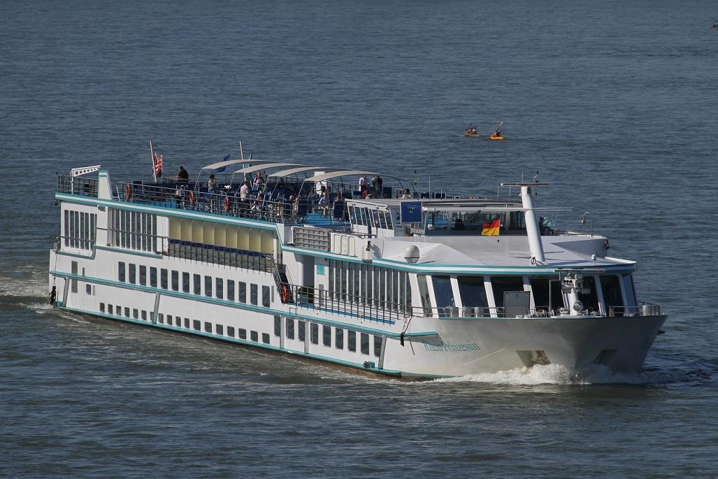MS Rhein Prinzessin auf Grund gelaufen