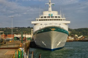 Neue Folge von Phoenix Reisen TV online - Kurz- und Schnupperreisen auf See mit internationalen Stars