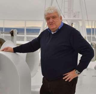 , Hans Meiser wird Kreuzfahrtdirektor auf MS HAMBURG – Fachleute nicht mehr gefragt?