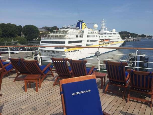 MS Deutschland und MS Hamburg in Kiel 10.08.2015 - 1a