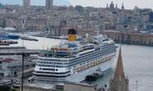 First private cruise wedding on Costa Fascinosa_Sana & Adel Schiff im Hafen von Genua