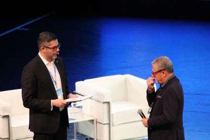 Palomba im Gespräch mit Architekt Tihany