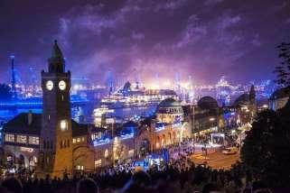 Erstmalig werden beide Luxusschiffe, EUROPA und EUROPA 2, die Hansestadt zum Kreuzfahrtevent des Jahres besuchen und an der großen Auslaufparade am 09. September teilnehmen