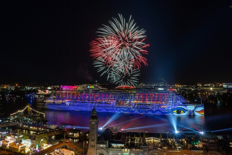AIDA Feuerwerk Hafengeburtstag