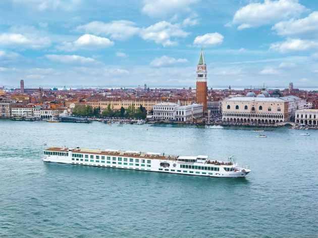 Uniworld verklagt MSC Cruises, Uniworld River Cruises verklagt MSC Cruises