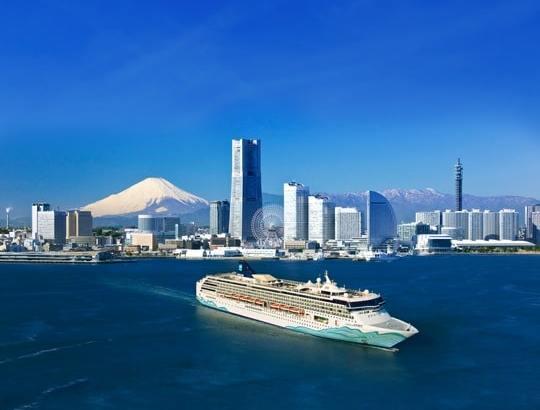 Die rundum erneuerte N. Spirit vor Tokio (Rendering) ©Norwegian Cruise Line