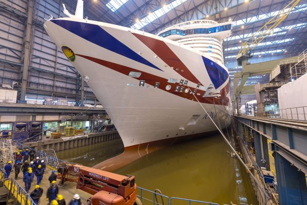 MS iona, Ausdocken der IONA für P&O Cruises   50. Kreuzfahrtschiff der MEYER WERFT verlässt Baudockhalle