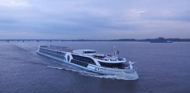 Viva Cruises RORBERT BURNS