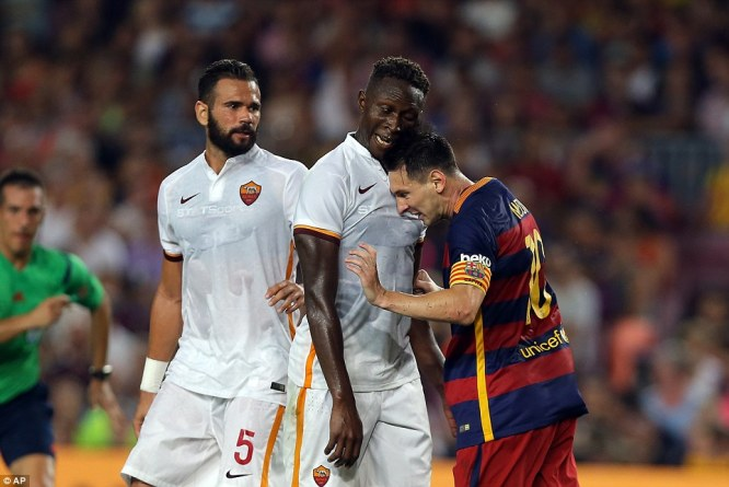 Messi head-butted AS Roma