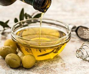 Gratis olijfolie (50 ml) van Gkazas