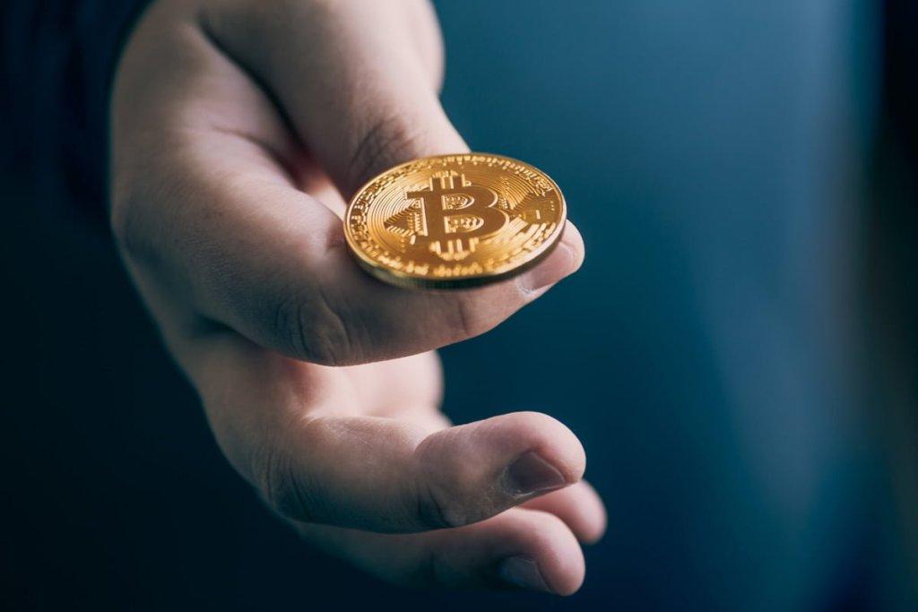 Bitcoin'de Dev Satış Duvarları! Tahminleri Tutan Analist: Bu Seviyelere Gidiyoruz