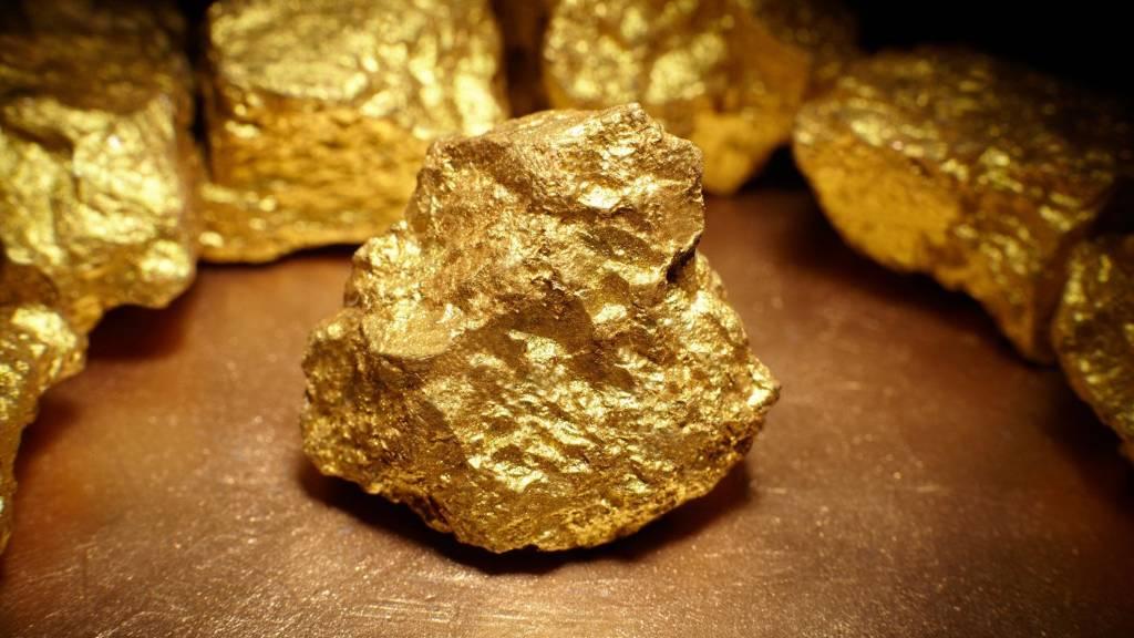 Altın Fiyatları Anket Beklentilerinin Tersine Cevap Verdi – Düşüş Sürecek mi?