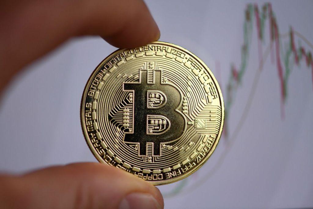 İnanılmaz U Dönüşü: Bu Ülkeden Bitcoin'e Yeşil Işık!