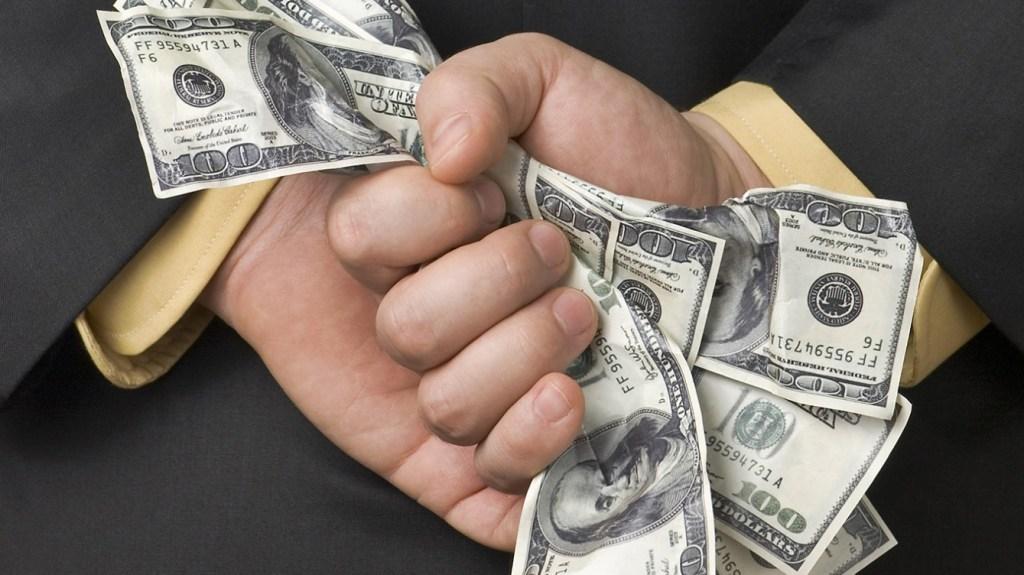 Yüzmilyonları Yutan Kripto Dolandırıcısı: Beni Bırakın, Yatırımcılara Ödeme Yapacağım!
