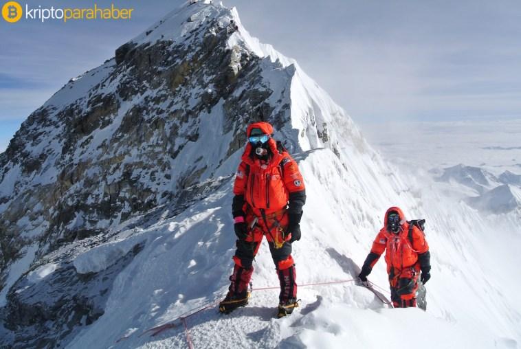 Everest Dağı'nın zirvesinde 50 bin dolarlık ASKT tokenleri var
