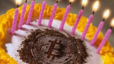 Bitcoin vadelileri, Salı günü doğum gününü kutladı
