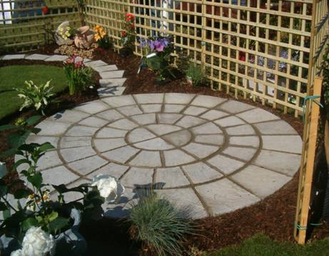 Small patio designs: Tips to make it look bigger | Kris ... on Small Patio Design Ideas id=27625