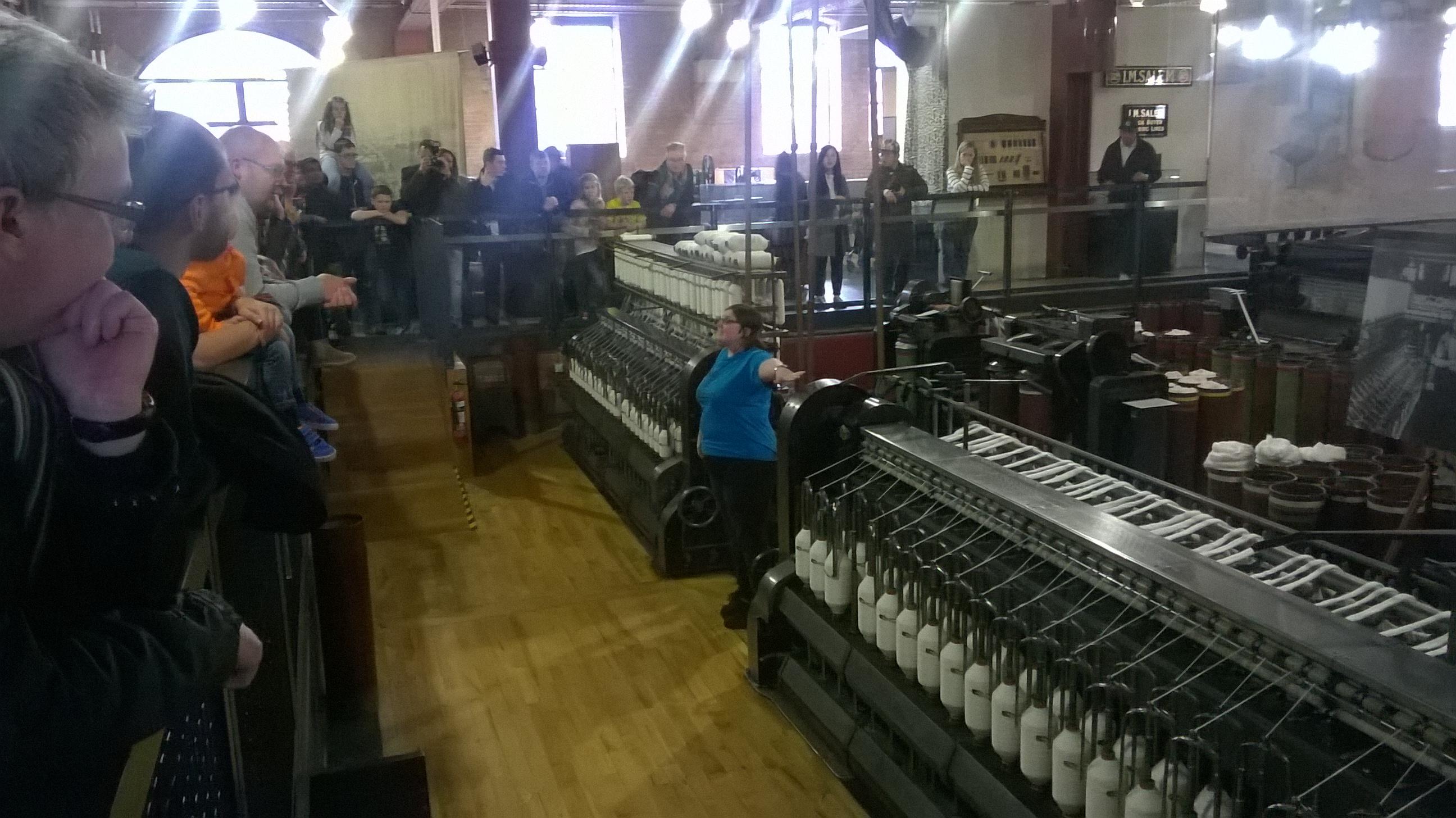Ekspozīcija par tekstilrūpniecību