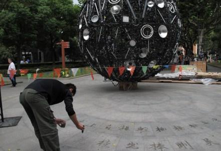 Artificial Moon - Wang Yuyang (photo courtesy of ArtHub Asia)