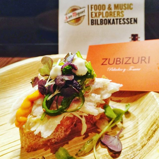 Tuna with flavours of the sea. A #tapas from the #SanMiguelBilbokatessen event @sanmiguel_es #PicOfTheDay #InstaDaily #Love #InstaPic #Sexy #instafood #foodie