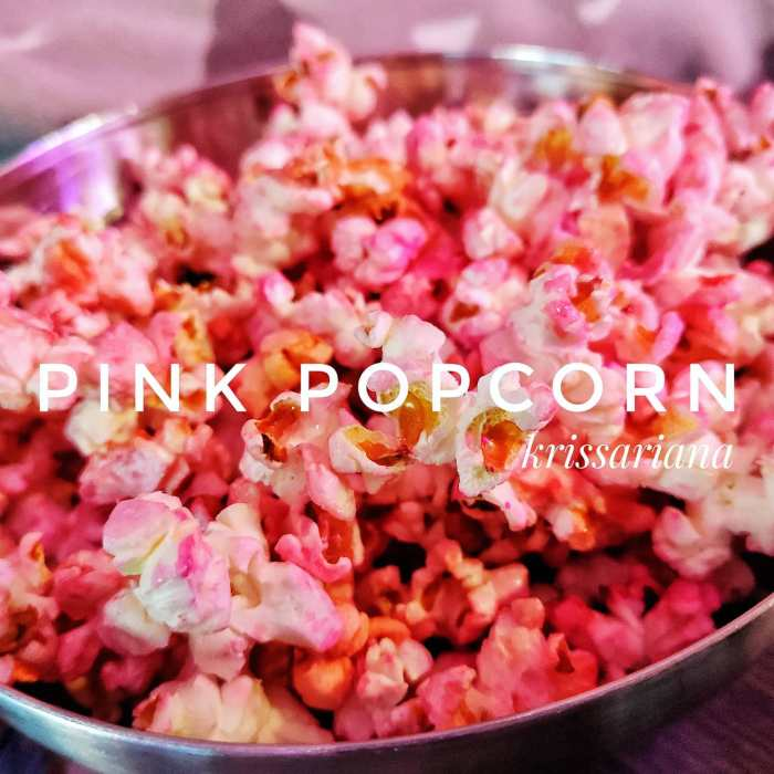 Yesterday was a very chilly and cold #sunday . What can be better then #Pink #popcorn , sofa, warm blankets and #netflix ...#insta #instafood #instapic #picoftheday #magnificentshot #love #sexy #igers #igersbilbao #food #hungry #happy #delicious #instafoodie #restaurant #deliciousfood #urbanphotography  #traditionalfood #butter #familytime #childhood #children #home #foodiesofinstagram #foodie #foodporn