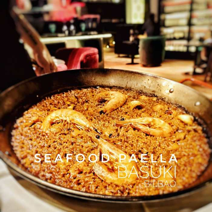 Enjoying an authentic Spanish #seafood #Paella in a wonderful #chic #restaurant in #Bilbao . A #wonderful place to try and #enjoy Spanish #cuisine ....#insta #instafood #instapic #picoftheday #magnificentshot #love  #igers #igersbilbao #food #hungry #happy #delicious #instafoodie #deliciousfood #traditionalfood #dinner #home #foodiesofinstagram #foodie #foodporn
