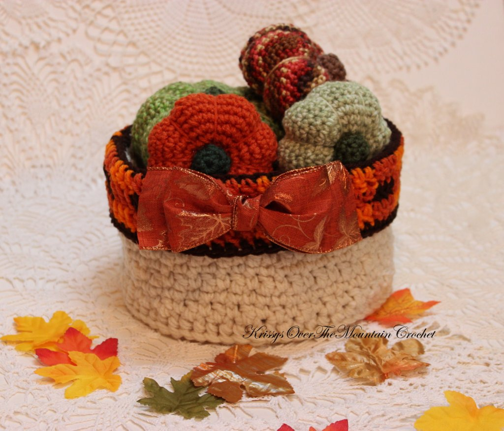 Plaid Round Basket Great For Holiday Decorating
