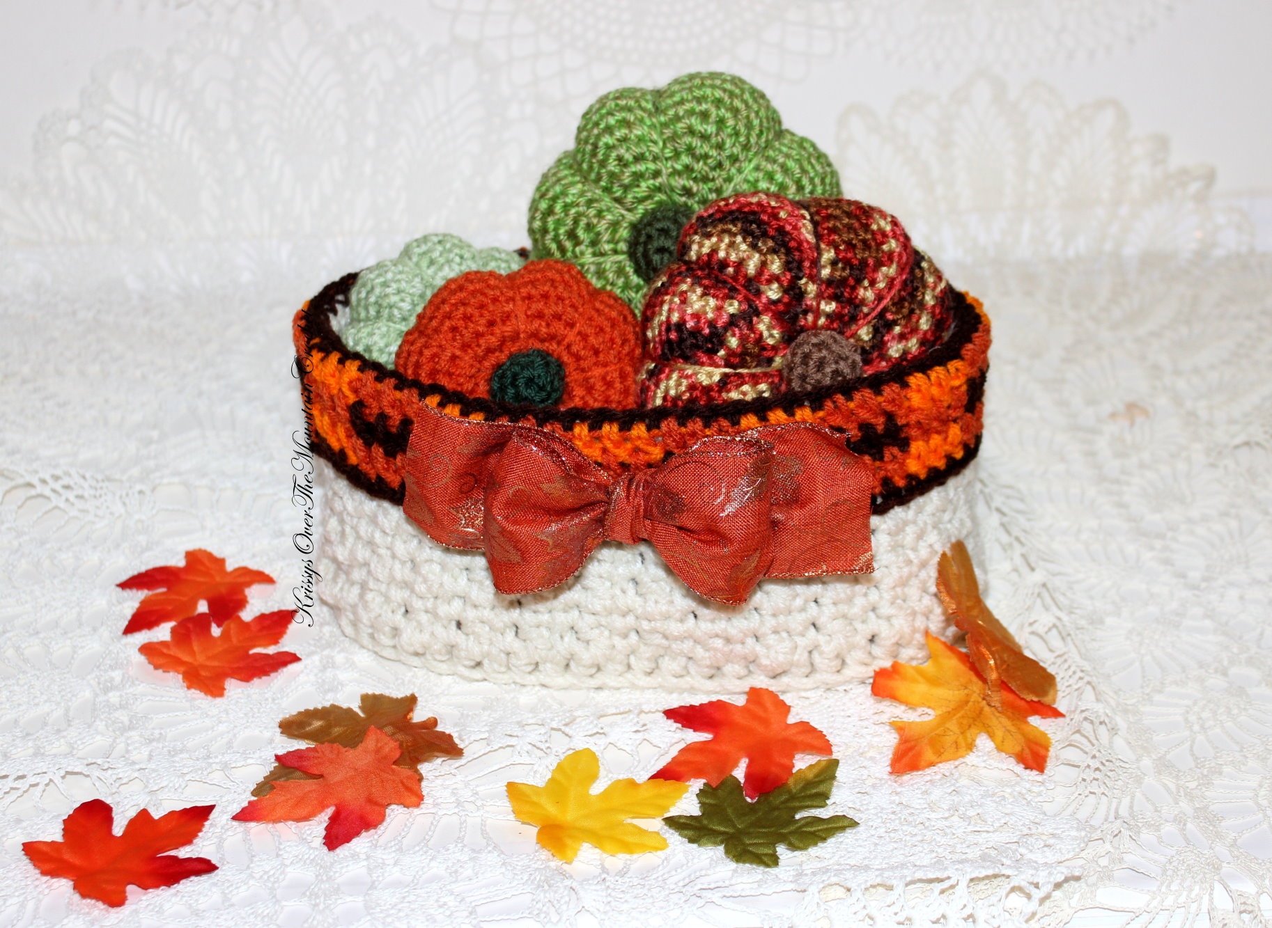 Oval Basket w/pumpkins