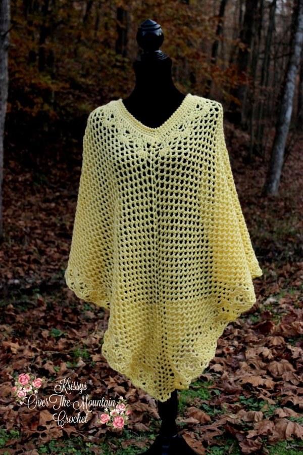What a beautiful Fall mesh poncho. It is made out of worsted weight yarn to give you that added warmth on a cool Fall evening in the pumpkin patch!