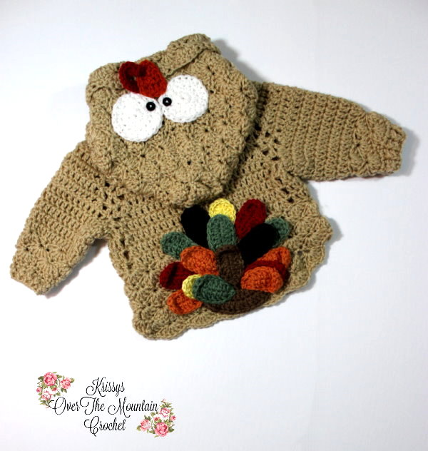 Let me show you how to crochet a Turkey Tail Applique. It is so adorable on this Turkey Tail Pullover. Little girls in hoodies never looked so sweet!