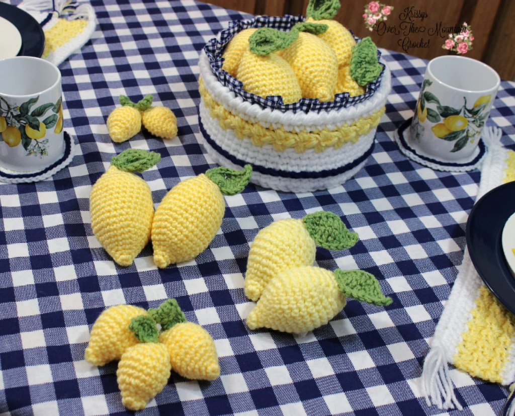 Life sized lemons are pretty easy to crochet, and they are so much fun to use to decorate with.